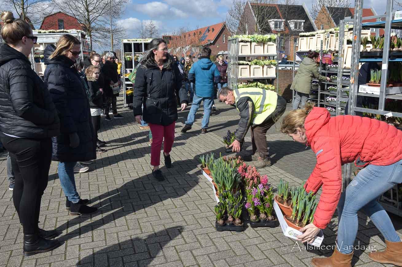 'Zaai' oogst lof maar ook kritiek met bloemenverkoop