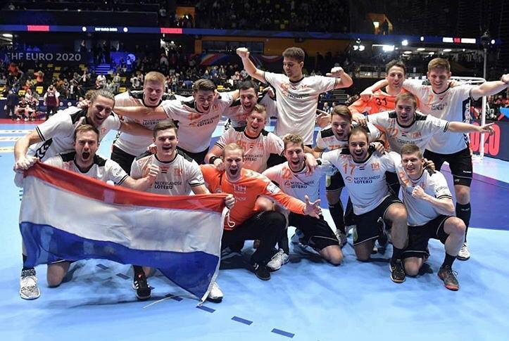 Aalsmeerse handballers happy in oranje