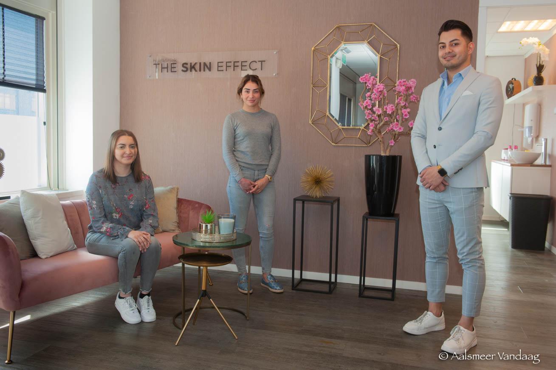 The Skin Effect, anders dan doorsnee salon